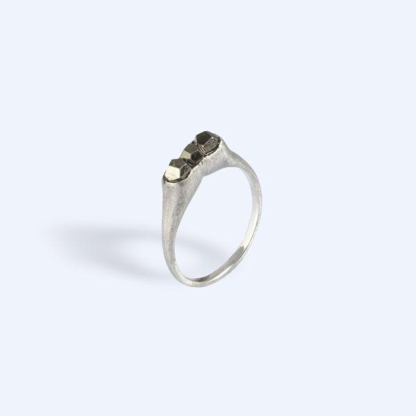 Adéla Schicker | prsten pyrit